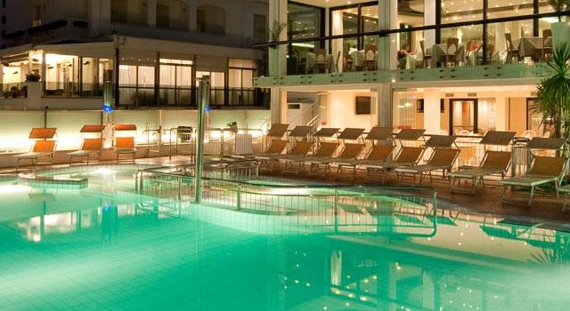 Hotel riccione con piscina hotel riccione - Hotel a pejo con piscina ...